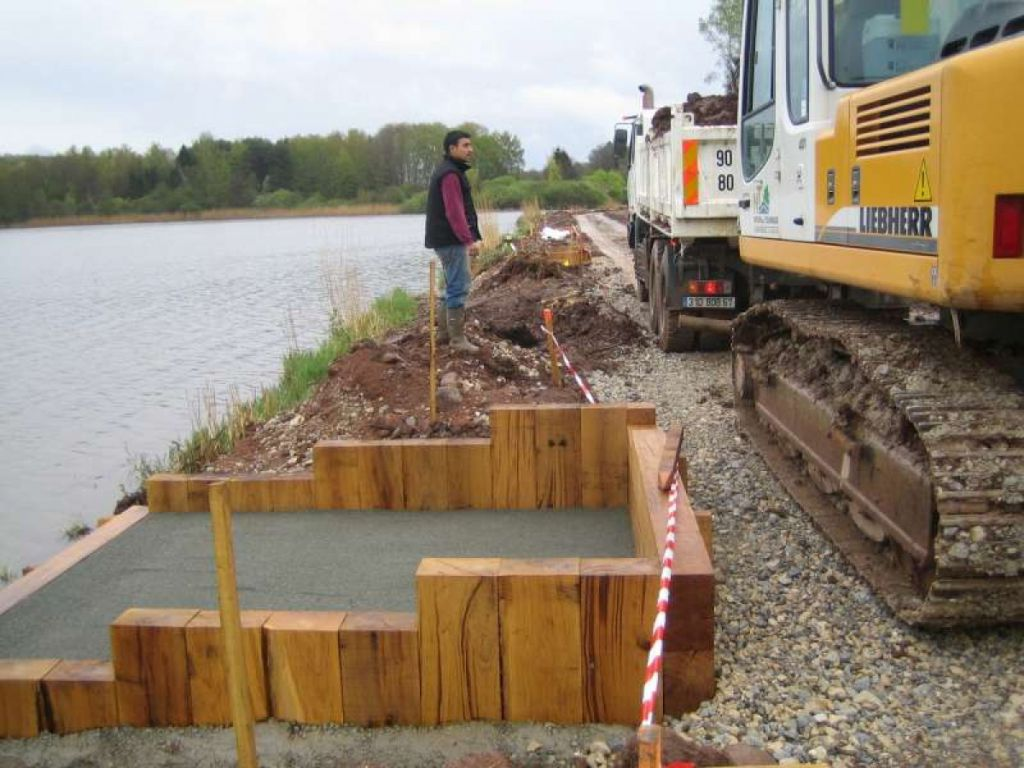 Confortement hydraulique aval et aménagement de la digue de l